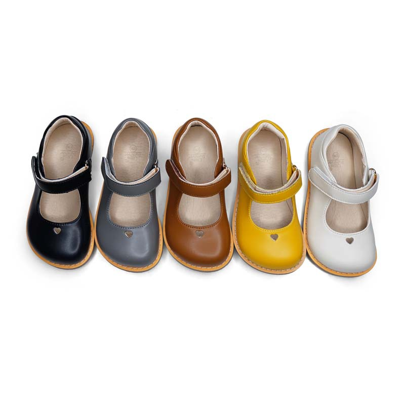Sweet Girls Sandals Lovely Heart Soft And Breathable Children Shoes Wear-resistant Sole Party Princess Kids Shoes