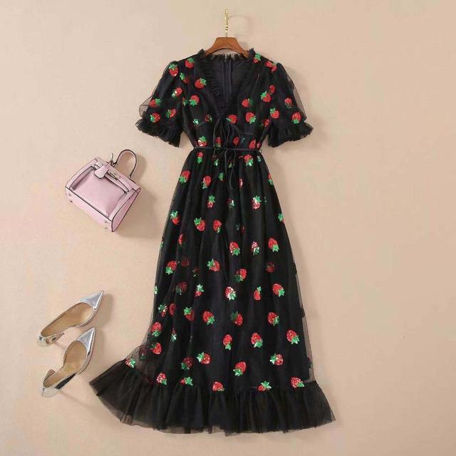 Платье женское средней длины с коротким рукавом и V-образным вырезом 6