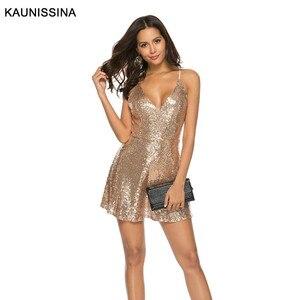 Image 1 - KAUNISSINA セクシーなショートスパンコールカクテルドレスクラブパーティーガウンスパゲッティストラップ V ネックバックレスゴールドホームカミングのドレス
