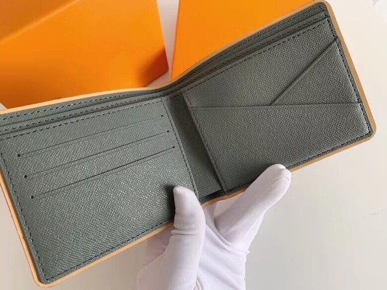 carteira de primeira linha de luxo masculina é pequena em tamanho