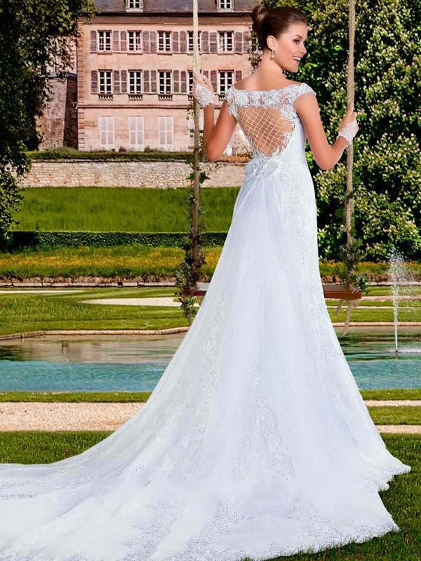 Custom 2018 Vestido De Noiva New Design Sexy V-Neck Appliques Lace Bridal Gown With Detachable Train Mother Of The Bride Dresses