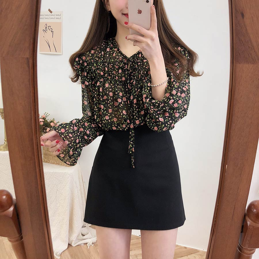Hbc436ca0f0d7469b8db37d4c1bbac6c5E - Spring / Autumn Lace-Up Collar Long Sleeves Floral Print Blouse