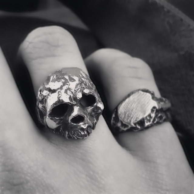 STAINLESS STEEL GOTHIC SKULL RINGS