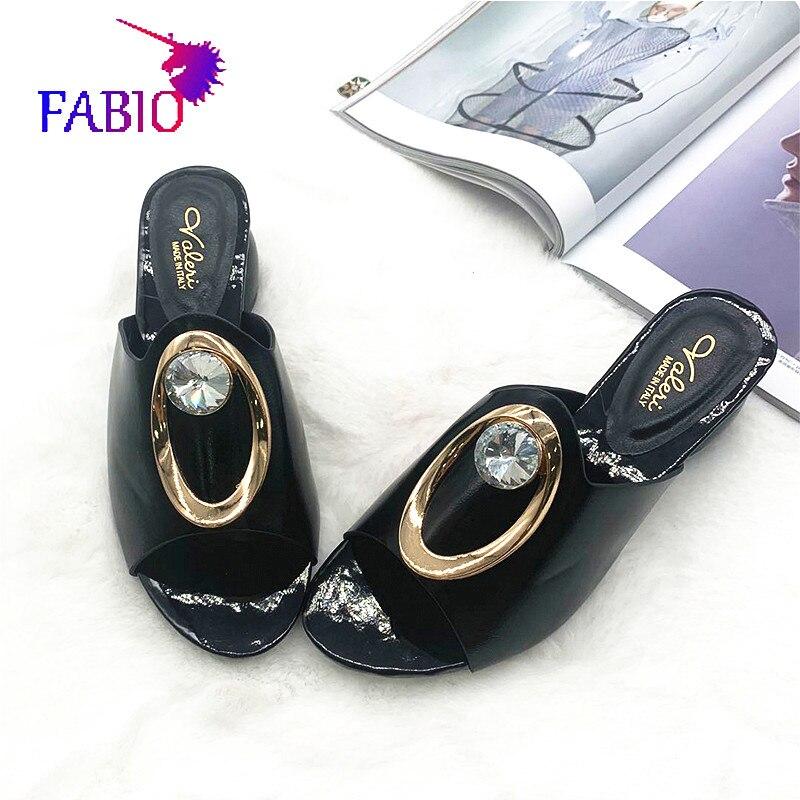 Новинка 2020, Осенние тапочки с алмазными пуговицами, подходят для женщин, Тапочки и шлепанцы для девочек