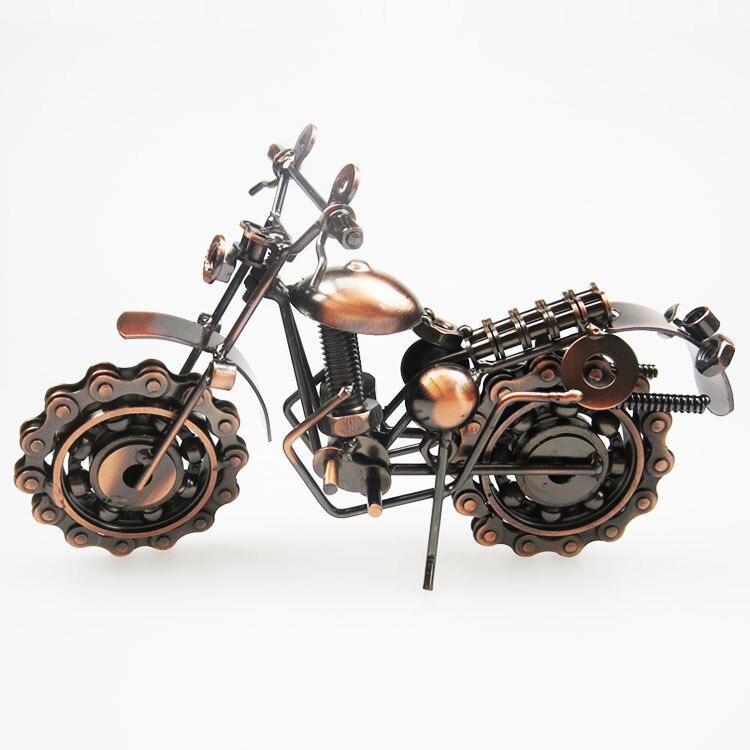 Motorcycle Model Retro Motor Figurine Metal Decoration Handmade Iron Motorbike Prop Vintage Home Destop Decor Kid Toy