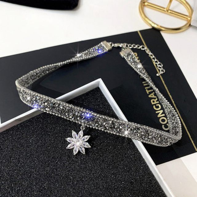 Fashion Crystal Ice Flower Pendant Necklace Glitter Adjustable Metal Chain Women Chic Punk Choker Clavicle Chain Neck Jewelry 3