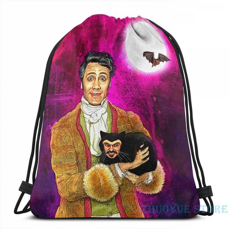 Impressão gráfica vampstyle (o que fazemos nas sombras) carga usb mochila masculino sacos de escola saco de viagem para computador portátil