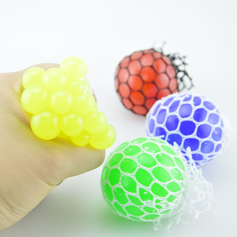 2018 Anti Stress Face Reliever Grape Ball Squeeze Relief Healthy Fashion Funny Tricky Toys E