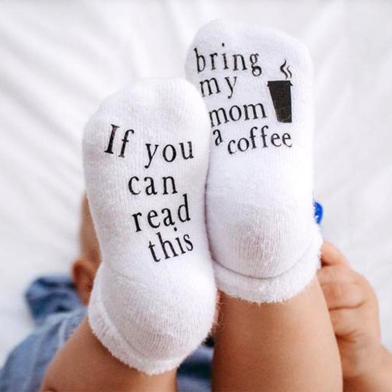 Neuheit Lustige Sprüche Baby Baumwolle Crew Socken Non-Skid Greifer Wenn Sie Dies Lesen Können Gummi Buchstaben Gedruckt Neugeborenen strumpfwaren Infant