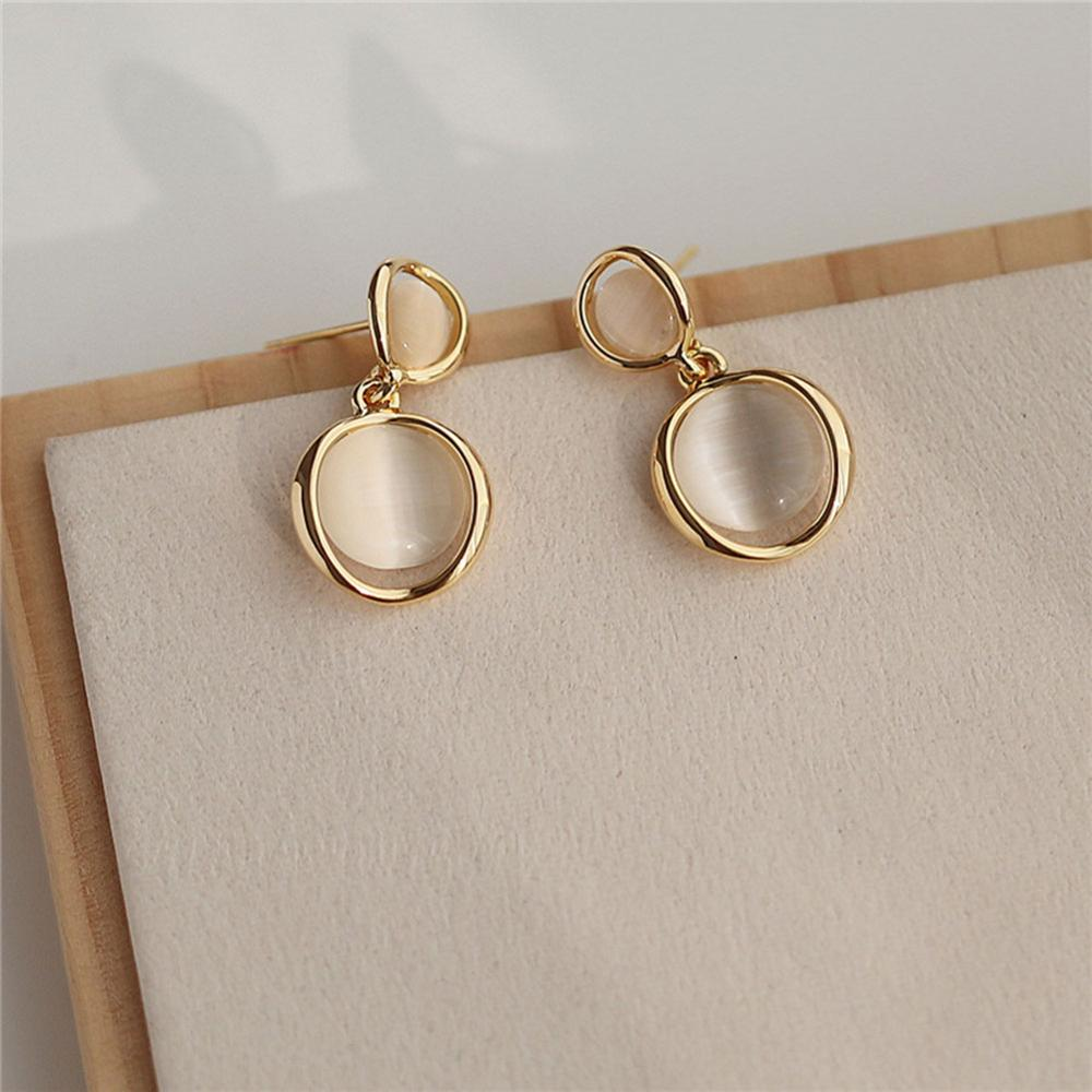 Vintage 1 pair Fashion New Beige two Opal Stone Round Stud Earrings For Women Golden color Opal Ear clips earring Accessories
