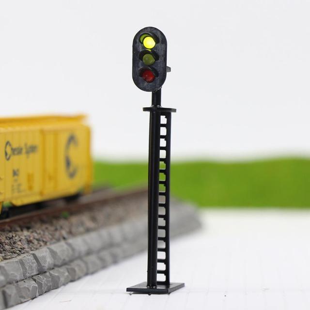 JTD04 5pcs Model Railway 1:87 3-Light Block Signals Green/Yellow/Red Traffic Signal Lights HO Scale 6.5cm 12V Led New 4