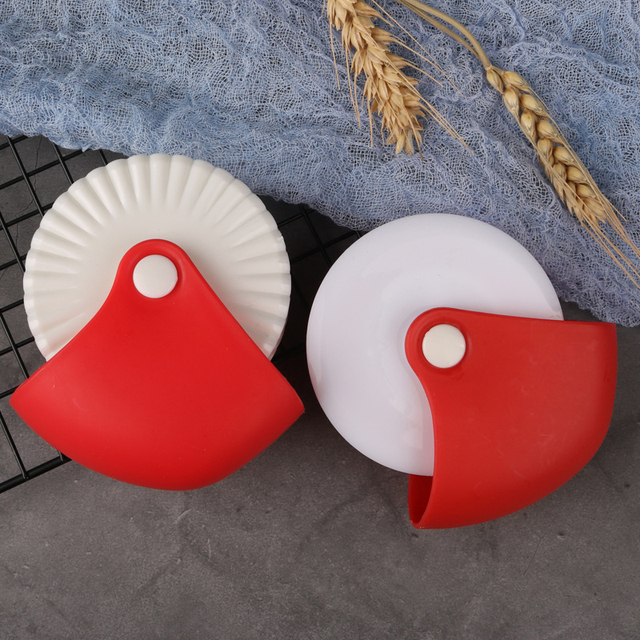 Kreative Nudel Cutter Kunststoff Rad Rollen Teig Cutter Manuelle DIY Wellen Noodle Maker Küche Backen Werkzeug