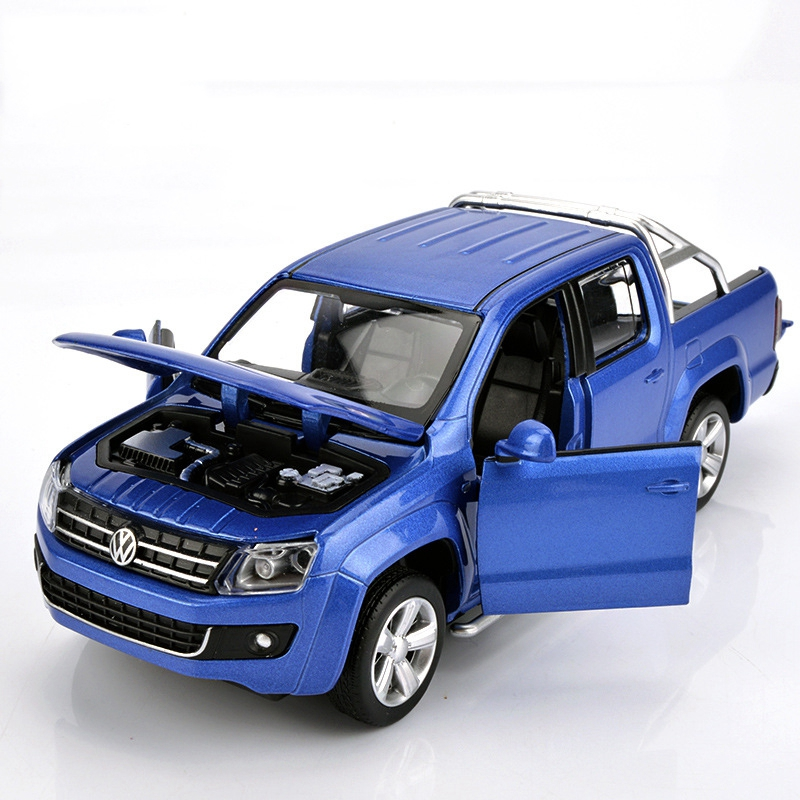 1:30 High Simulation Exquisite Collection Toys Caipo Car Styling Amarok Model Alloy Truck Model Fast Fruious