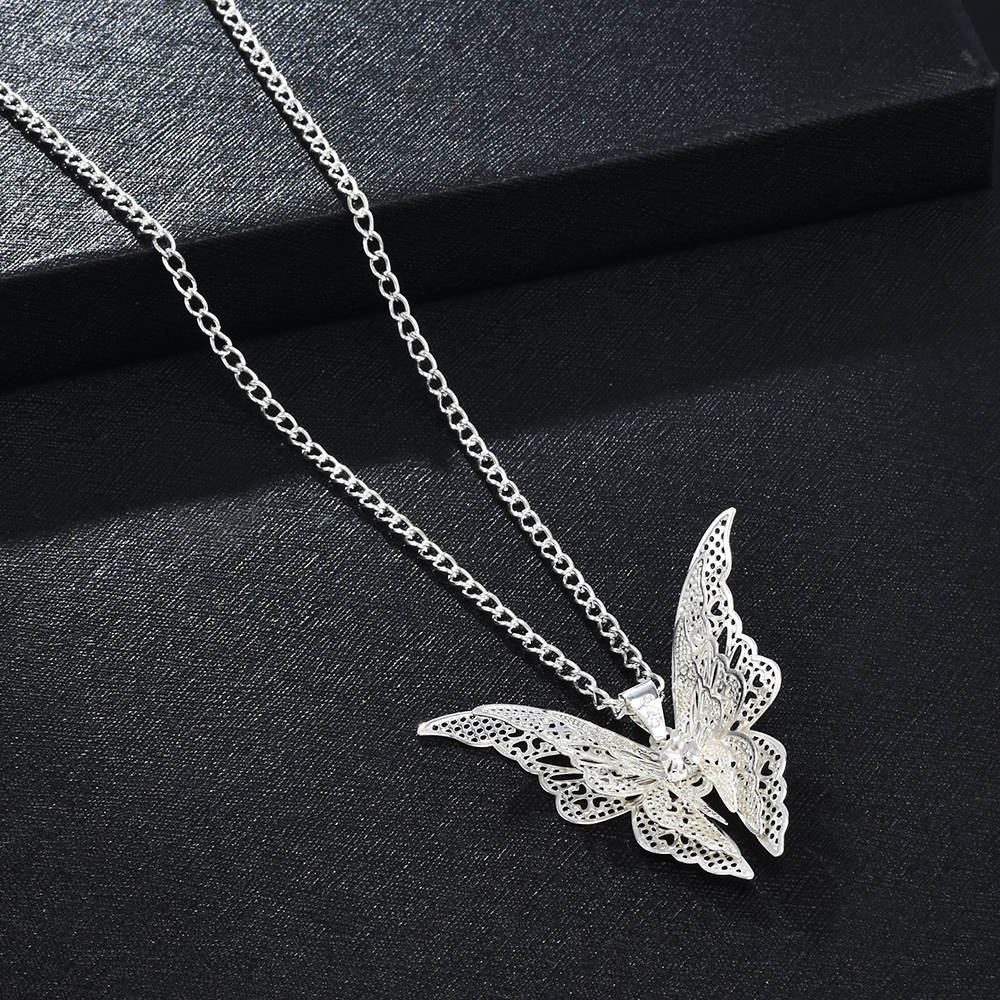 2020 High Quanlity Women Lady Elegant Openwork Butterfly Pendant Long Chain Necklace Sweater Accessories Necklace Jewelry