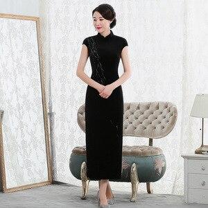 Image 1 - 2019 Vestido De Debutante موضة جديدة عالية بلا أكمام المشي تظهر المخملية شيونغسام طويلة الرجعية تحسين تناسب فستان المصنع مباشرة