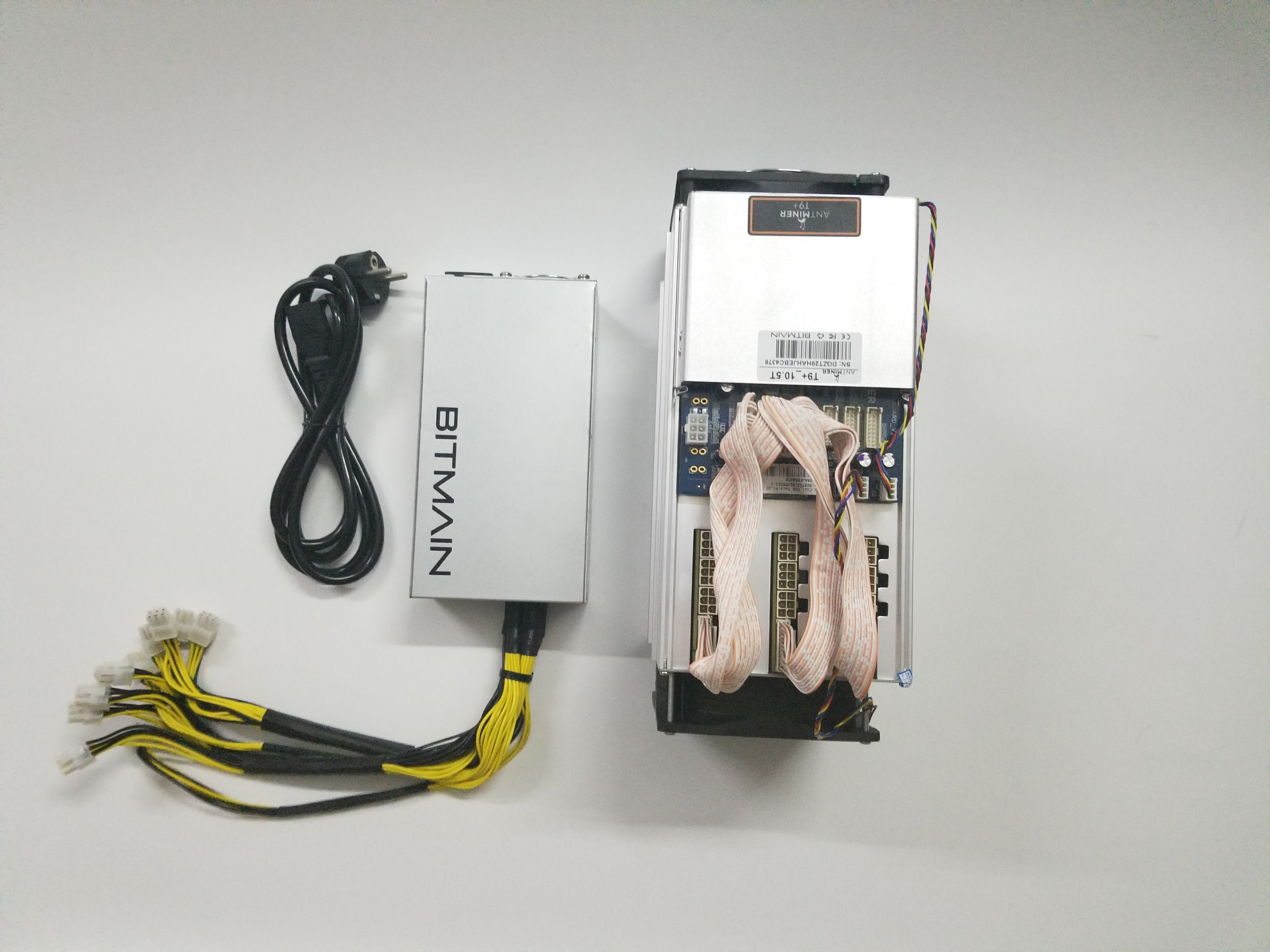 Free ship Used AntMiner T9+ 10.5TH/S WITH 1600W PSU Bitcoin BCH BTC Miner Better Than S9 13.5T 14T S9j 14.5T S9 SE S11 S15 S17 5