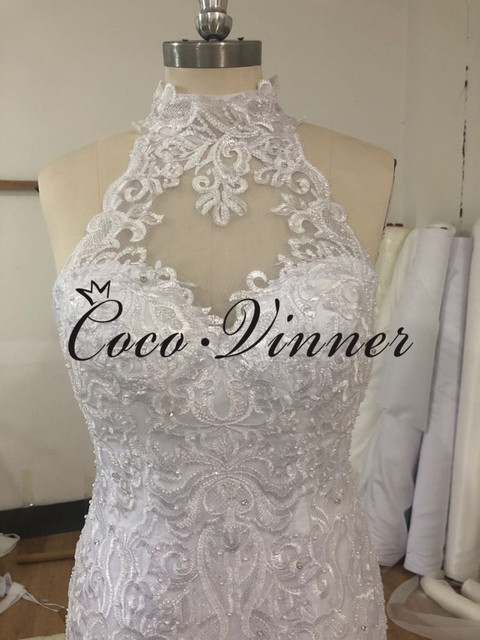 Halter Neck Sexy Illusion Back Lace Vintage Mermaid Wedding Dress 2021 Africa New Lace Appliques Custom Made Bride Dress W0802 5