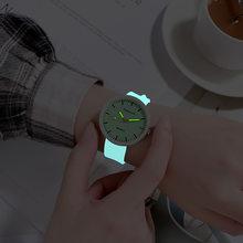 Neue Mode Frauen Uhren Einfache Quarzuhr Weibliche Silikon Gürtel Armbanduhr Leuchtende Uhren Damen Uhr Zegarek Damski Uhr