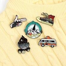Набор для путешествий, эмалированная брошь в виде рюкзака с изображением приключений на природе, гор, реки, автобуса, жеста, обуви, значки, юв...