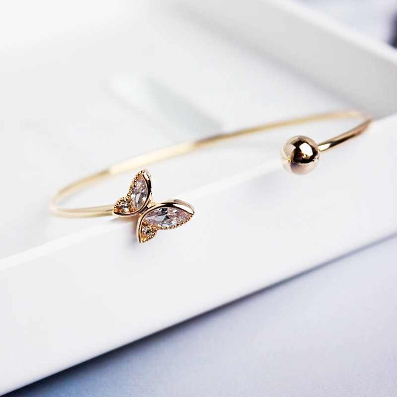 Elegant Design Women Butterfly Bracelet  Golden Plated Open Rhinestone Cuff Bracelets Trendy Insect Suitable for Any Occasion