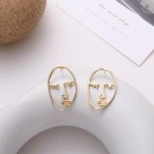 Pendientes de caras de arte abstracto de metal Simple nueva moda Ms pendientes de oro Retro expresiones locas pendientes de tuerca moda pendiente para mujer