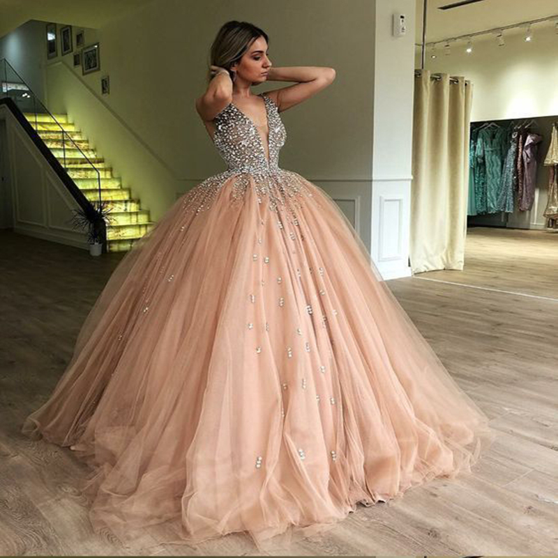 Bling Ball Gown Gold Quinceanera Dresses Rhinestone Puffy Tulle Prom Dresses Elegant V Neck Sweet 15 Year Old 2019 Princess Gown