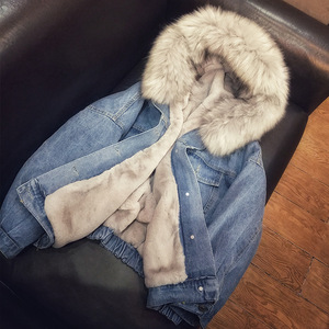 Image 2 - 女性ジーンズジャケット冬厚いジーンズジャケットフェイクファーの襟フリースフード付きデニムコート女性デニム Outwea