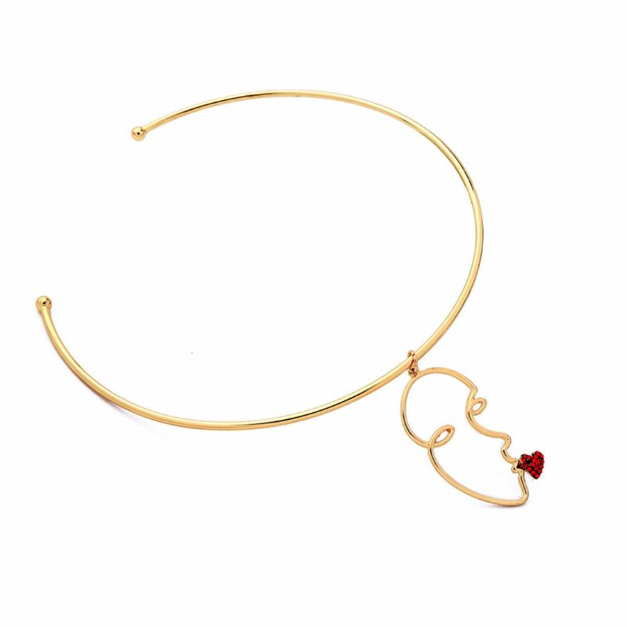 Simple Classic Human Face Pendant Choker Necklace Minimalist Gold Round Necklaces Chic Jewelry For Women