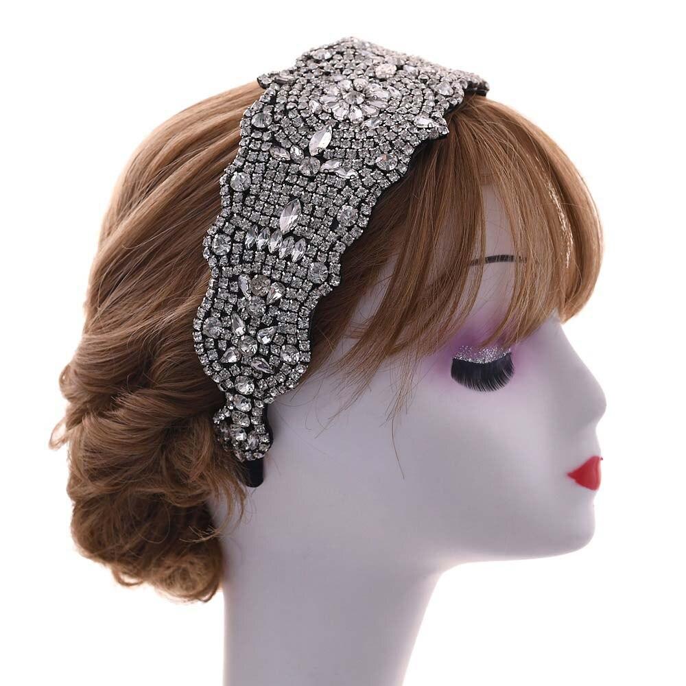 Купить роскошные ювелирные изделия из чистого с украшением в виде кристаллов