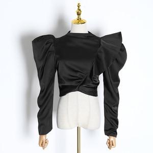 Image 5 - TWOTWINSTYLE 캐주얼 패치 워크 프릴 블라우스 여성 스탠드 칼라 퍼프 반소매 튜닉 셔링 셔츠 여성 패션 2020 신규