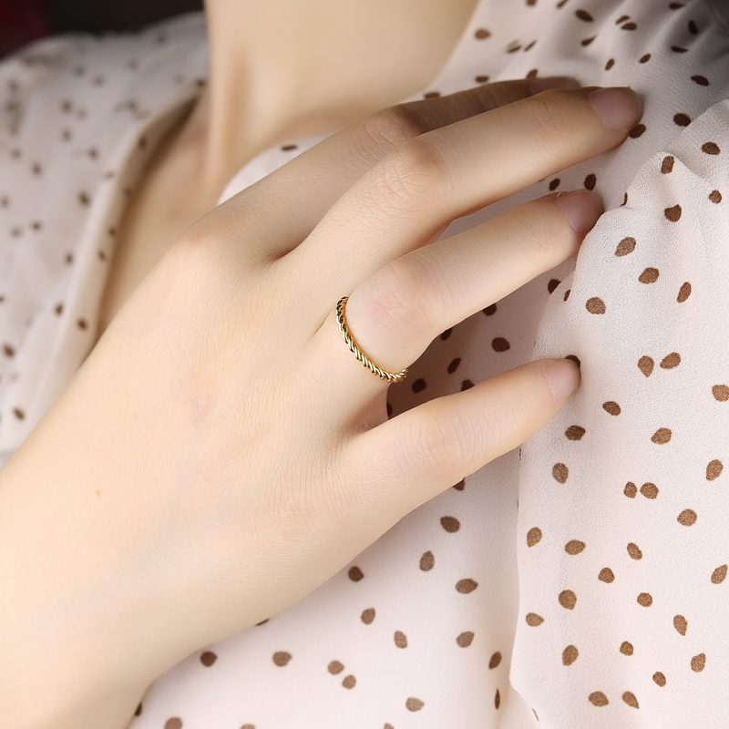 Innopes Woman Fashion Small Ring Silver Rose Gold Color Twisted Stainless Steel Ring for Women Wedding Party Ring 1