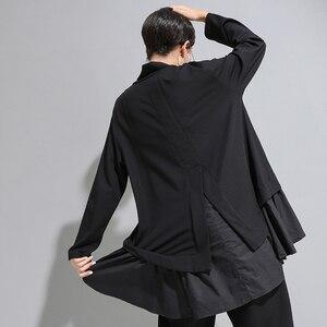 Image 3 - [EAM] Loose Fit סימטרי ראפלס סווטשירט חדש גבוה צווארון ארוך שרוול נשים גודל גדול אופנה גאות אביב סתיו 2020 1A529