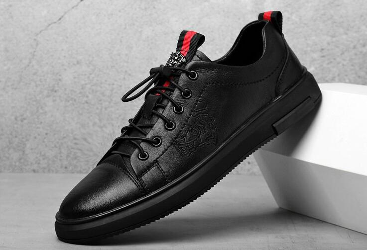 Men Black Sneakers Man Casual Shoes Breathable Leather Tenis Trainers Sports Running Mens Sneaker Handsome Basic Walking Shoes