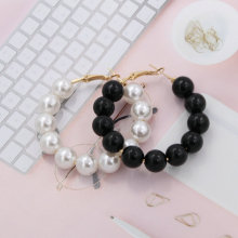 Oorbellen Imitation pearl round earrings C-type earrings woman big Hoop earrings hot fashion jewelry manufacturers wholesale