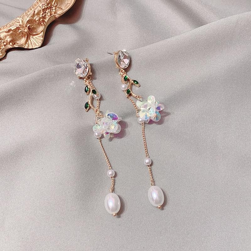 MWSONYA Sequins Flowers Leaves Pendant Earrings Pearl Tassel Earrings for Women Crystal Drop Earrings Long Earring for Girl