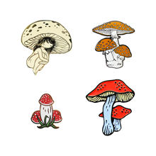 Broche duro do emblema do pino da lapela do esmalte do cogumelo