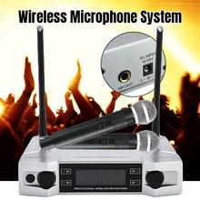 عالية الجودة UHF ميكروفون لاسلكي كاريوكي نظام شاشة الكريستال السائل مع المزدوج يده هيئة التصنيع العسكري للحزب KTV جديد