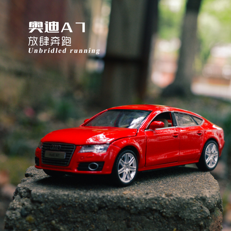 1:32 high simulation Audi A7 alloy sound and light pull back simulation children's toy gift car model for chilrdren gifts image