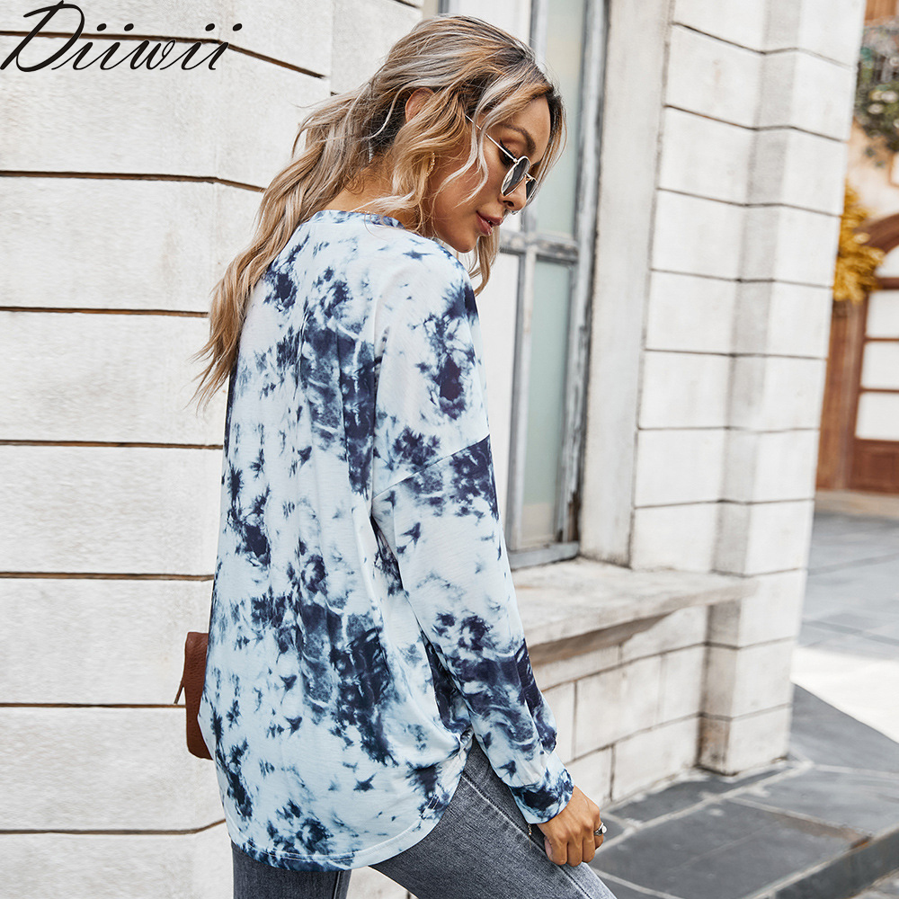 Diiwii Europe Popular fashion and the United States Autumn and Winter V-neck T-shirt Women Tie-dye Tops 1
