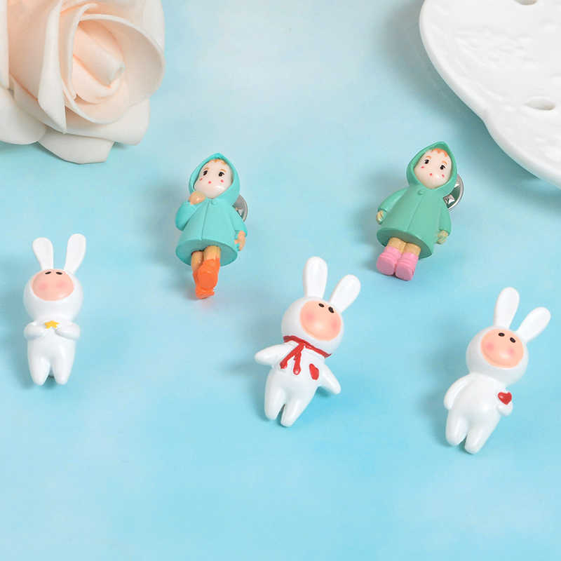 Sweet and lovely Raincoat girl pin Rabbit suit boy Lapel pins brooches bunny carrot enamel pin badge Cartoon jewelry girl gift