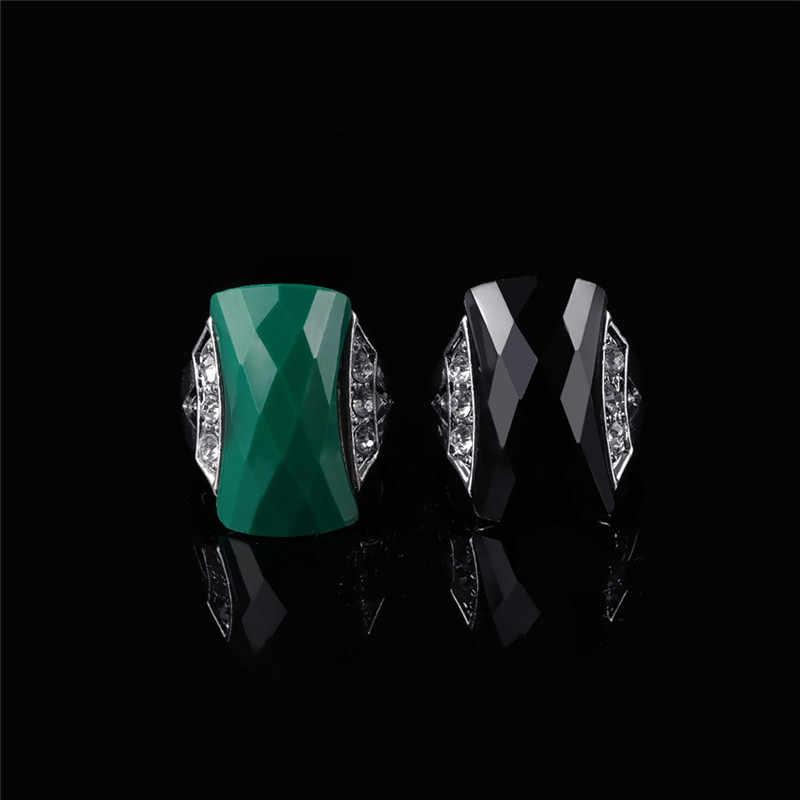 หรูหราหินสีเขียวขนาดใหญ่แหวนผู้หญิงเครื่องประดับแหวนเงินผู้หญิงแหวนคริสตัลสุภาพสตรี Retro แหวนผู้หญิงอุปกรณ์เสริมหญิง