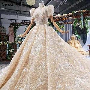 Image 3 - Champagne alta pescoço luxo dubai vestidos de casamento 2020 manga curta lantejoulas rendas até vestidos de noiva hx11612 feito sob encomenda