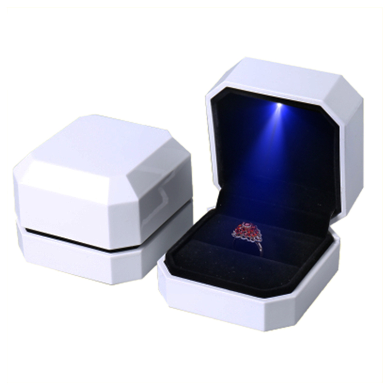 Best Seller LED Ring Box Wedding Engagement Jewelry Gift Packing Display Case with High Quality