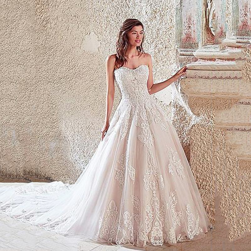 Luxury Tulle Wedding Dresses Sweetheart Ball Gown Wedding Dress With Beaded Lace Appliques Formal Bridal Dress Robe De Mariee