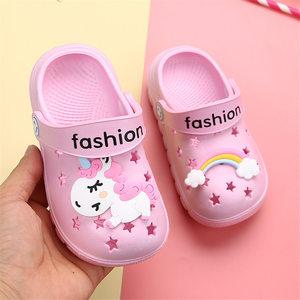 Image 1 - 유니콘 슬리퍼 소년 소녀 레인보우 신발 2019 여름 유아 동물 키즈 야외 아기 슬리퍼 PVC 만화 어린이 슬리퍼