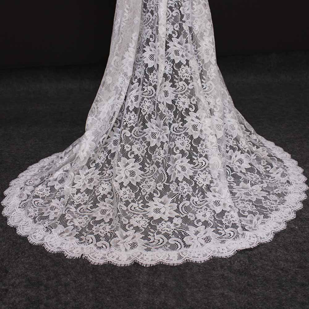 Beautiful Flower Lace Wedding Veil With Comb Romantic One Layer Lace Bridal Veil Ivory Color Bride Veil Wedding Accessories