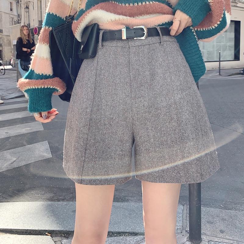 MISHOW 2019 Autumn Winter Woolen Wide Leg Shorts Women Causal High Waist Zipper Solid Short Pants  MX19C2489
