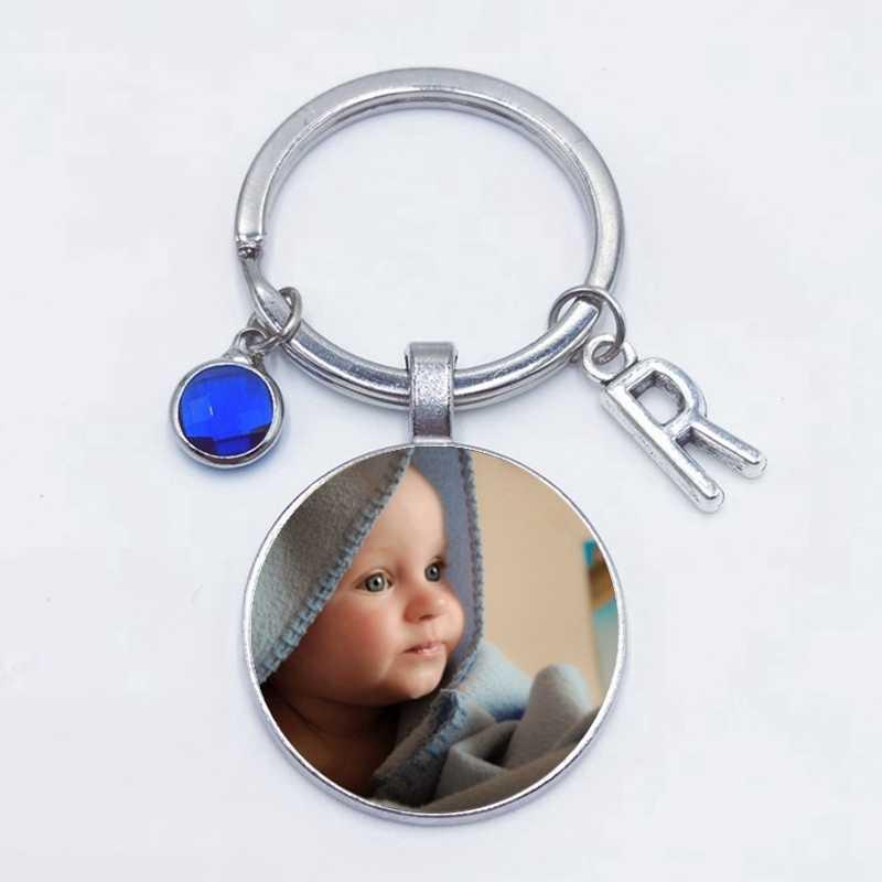 2019 אישית תמונה 8 צבע קריסטל 26 מכתב תינוק של בעבודת יד אישית Keychain תמונה אבא אמא וסבתא אהבה מתנה תכשיט