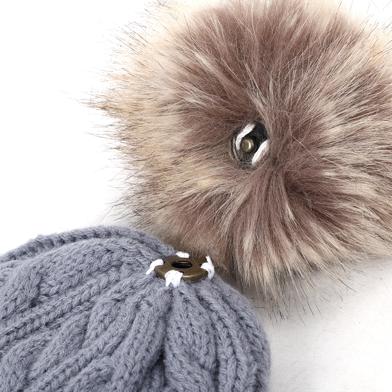 2019 new high quality winter children's pompom knit beanie Boys girls Solid color casual hat Kids warm Soft cap Baby beanies 5