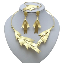 Yulaili New Custom  Rhinestone Leaf Shape Charm Choker Dangle Earrings Dubai Gold Jewelry Sets for Women Party Wedding Jewellery